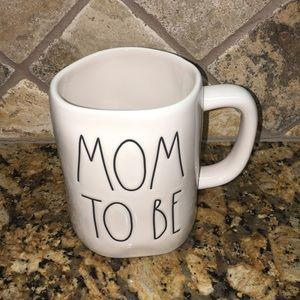 Rae Dunn MOM TO BE Mug